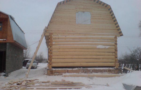 Баня 6 на 8 под ломаной крышей
