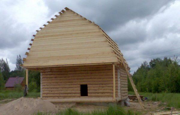 Баня 6 на 7 с верандой 2 метра под общей ломаной крышей