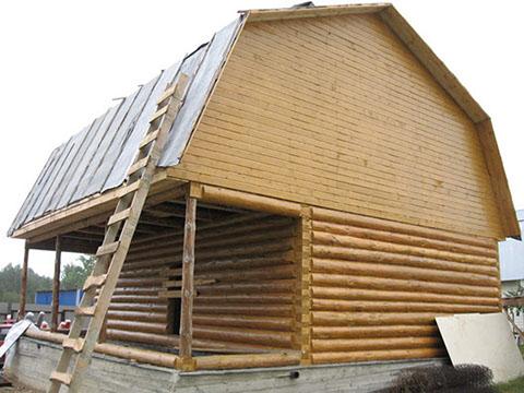 Дом 3 на 6 с верандой 2 метра под общей ломаной крышей