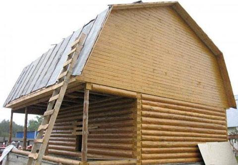Дом 4 на 4 с верандой 2 метра под общей ломаной крышей