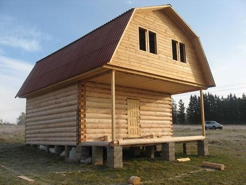 Дом 5 на 5 с верандой 2 метра под общей ломаной крышей